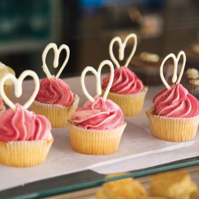 Fairy Cakes With Twirled White Chocolate Icing
