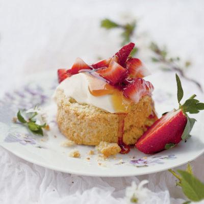 Coconut scones with farm honey and crème fraîche