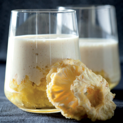 Pineapple and rolled-oat smoothies