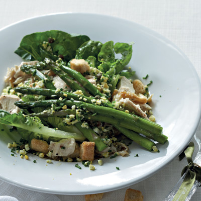 Warm chicken and asparagus salad