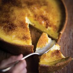 Brûlée lemon tart