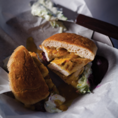 Grilled chicken burgers with tzatziki, mango chutney and beetroot
