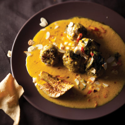 Meatballs in Thai green curry sauce