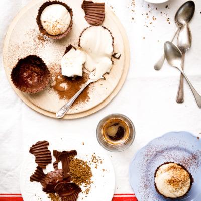 Mocha cheesecake chocolate cups