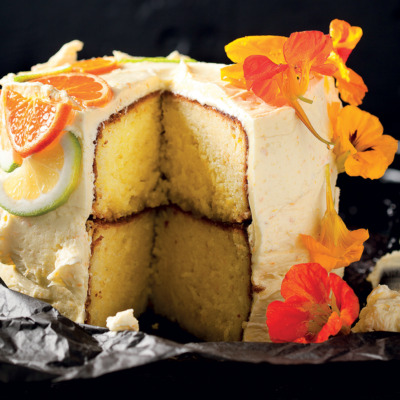 Citrus-and-yoghurt cake with ClemenGold icing