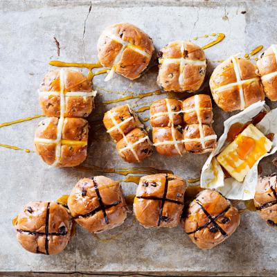 Hot cross buns, hot cross buns!