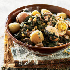 Algerian veal stew with spinach and chickpeas