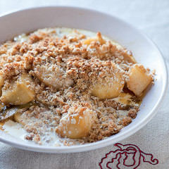 Apple and pear coconut crumble
