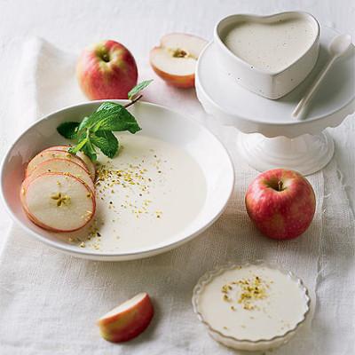 Apple slices set in vanilla panna cotta