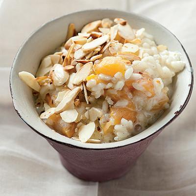 Apricot and vanilla rice pudding