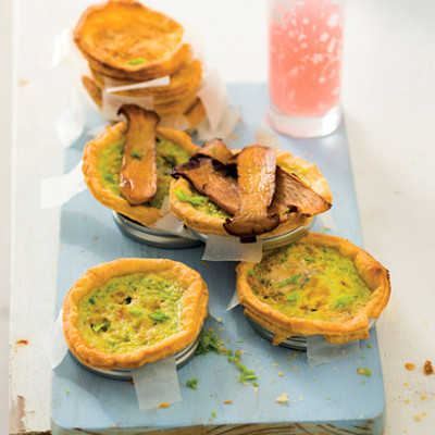Asparagus and blue cheese quiches