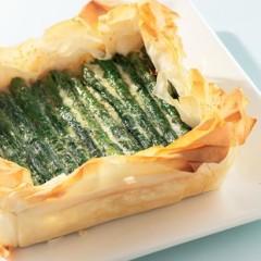 Asparagus cheese tart