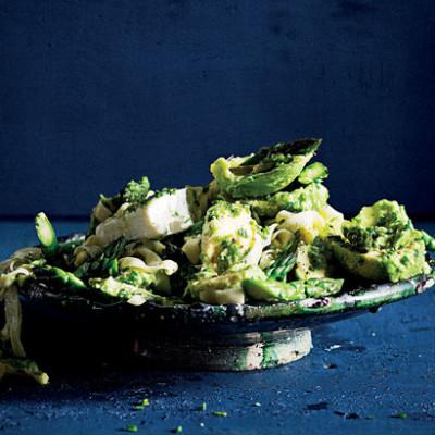 Avocado, feta and asparagus with pasta