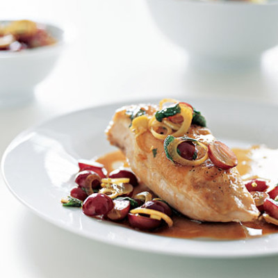 Baked chicken in verjuice with grape salsa