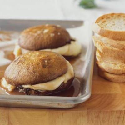 Baked mushroom and mozzarella burgers