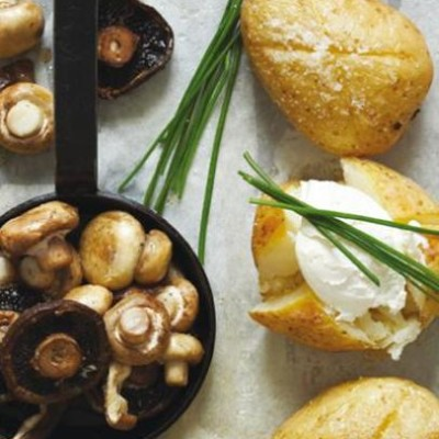 Baked potatoes with fromage frais, chives and mushrooms