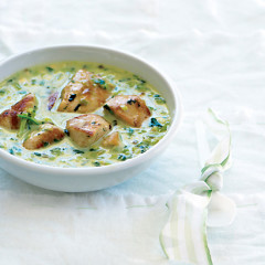 Caramelised leek and chicken coconut curry