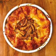 Cheddar crust apple pie