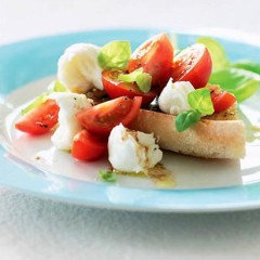 Cherry tomato and bocconcini salad