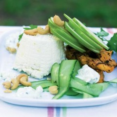 Chicken tikka, apple and yoghurt salad