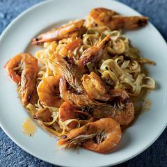 Chilli saffron prawn pasta