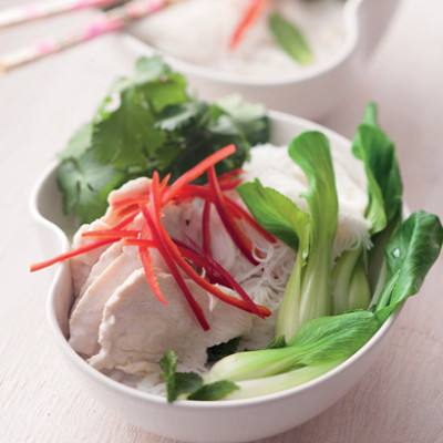 Chilli-spiked coconut and chicken rice noodles