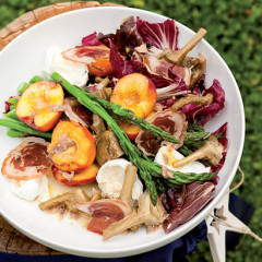 Christmas summer salad with pancetta and stone fruit