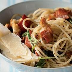 Crisp bacon and Parmesan spaghetti