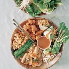 Crisp oriental wraps