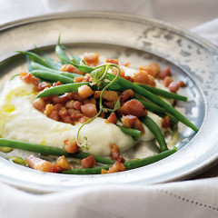 Crispy pancetta and beans on a bed of cauliflower puree