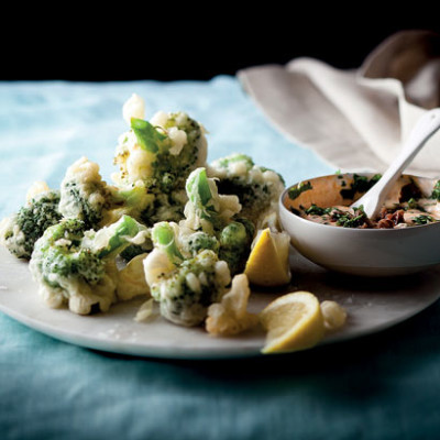 Crunchy broccoli fritters