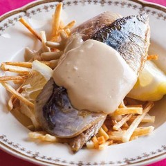 Fish 'n chips with balsamic mayonnaise