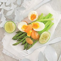 Fresh asparagus with apple butter and soft-boiled egg