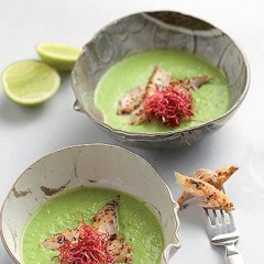 Fresh pea soup with smoked peppered mackerel