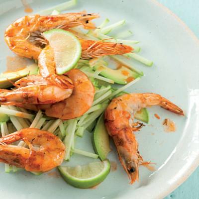 Garlicky prawns with apple salad
