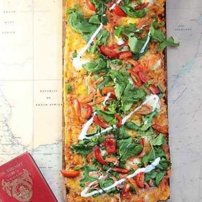 Grand salmon pizza