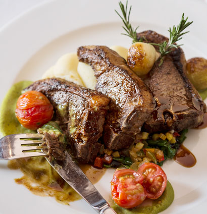 Grilled karoo lamb chops with creamed potatoes for Lamb jus