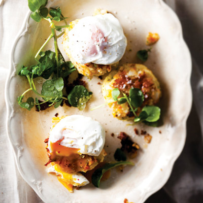 Haddock fish cakes with poached eggs