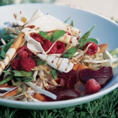 Heart salad with white chocolate
