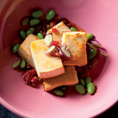 Honey-and-ginger grilled tofu with crushed chilli