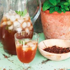 Honeybush and moroccan mint iced tea