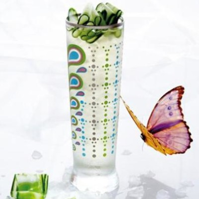 Iced green tea with sweet green-pepper jelly