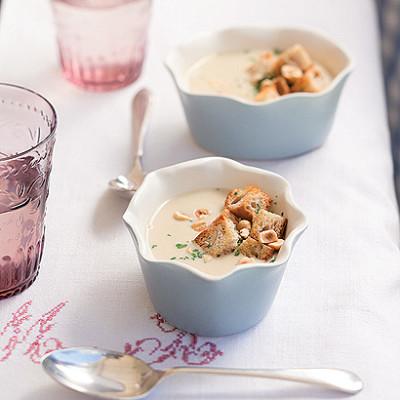 Jerusalem Artichoke soup with roasted hazelnuts
