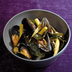 Kelp, wakame and mussel broth