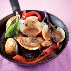 Laksa red chilli and Thai basil clam curry