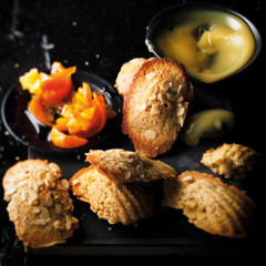 Lemon and poppy seed madeleines with easy clemengold marmalade