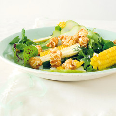 Micro-green salad with fresh pear, baby corn and caramelised popcorn