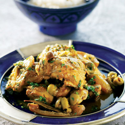 Moroccan chicken tagine with preserved lemon and olives woolworths moroccan chicken tagine with preserved lemon and olives forumfinder