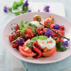 Mozzarella and roast red pepper salad