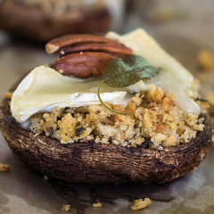 Mushrooms with pecan nut and sage stuffing